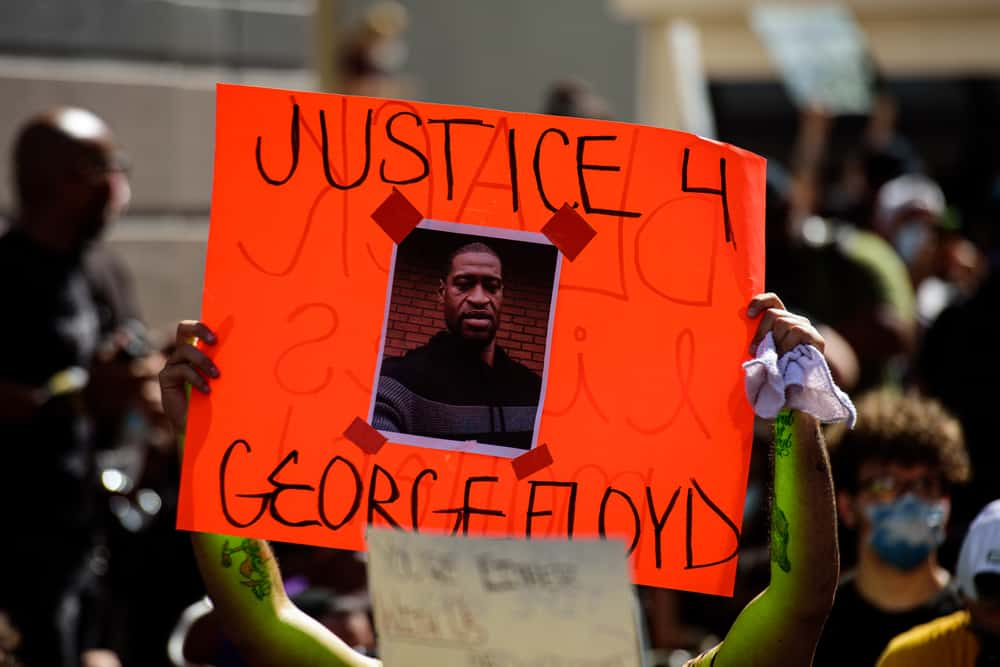 Sign stating JUSTICE 4 GEORGE FLOYD